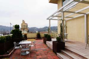 12 South Lexington community roof-top terrace with views of downtown Asheville