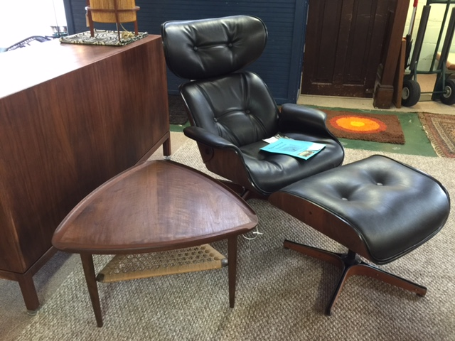 Merveilleux MCM Chair