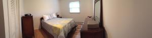 Small bedroom pano
